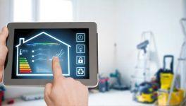 Bild eines Tablets auf dem die Steuerung des Hauses möglich ist